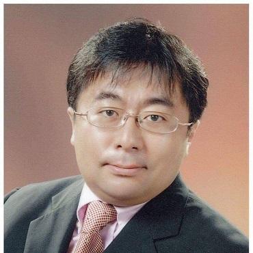 Hòa giải viên Fushihara Hirota