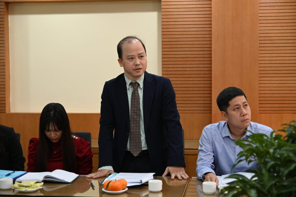 """Mediator Nguyen Hung Quang presented in the Seminar """"The current legal status and practice of online dispute resolution in arbitration, mediation"""