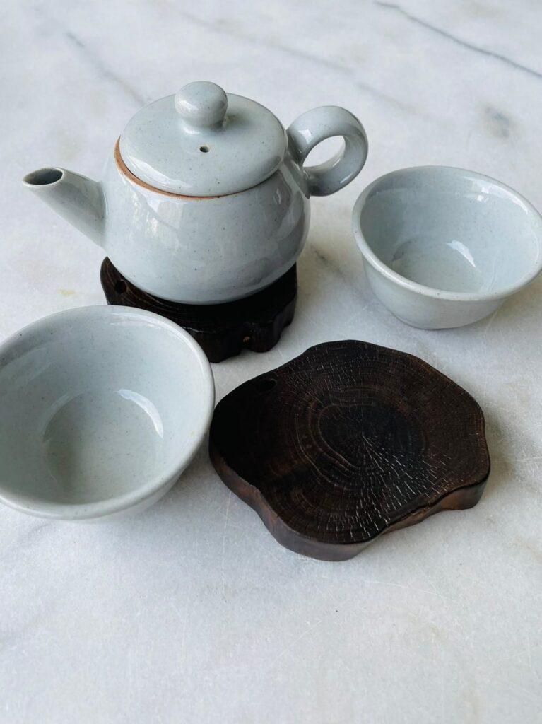 Cuộc đối thoại bên tách trà